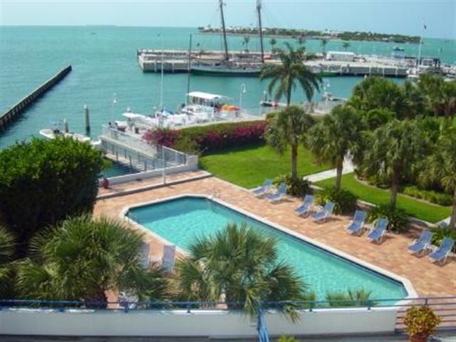 hp312 key west vacation rentals truman annex oceanside marina coral      rh   bestkeywestvacationrentals